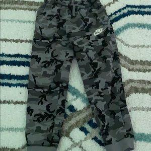 Boys gray camo Nike sweatpants